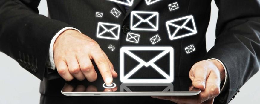 Les plus et les moins de l'achat de fichier email